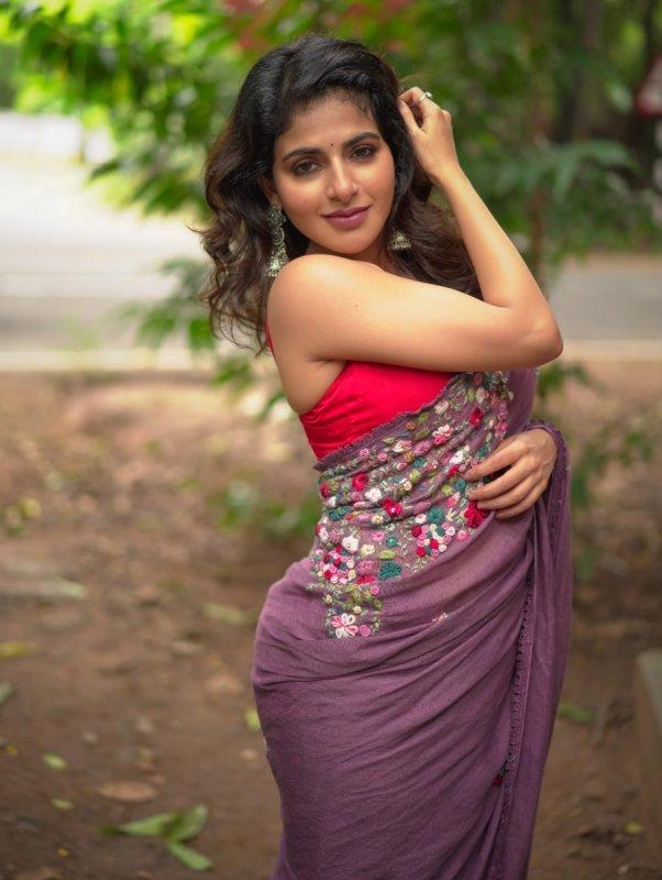 Movie Actress Iswarya Menon May 2020 Photos 1361
