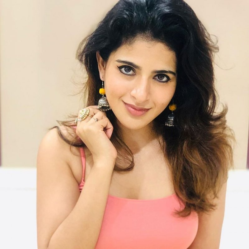 Movie Actress Iswarya Menon Recent Pictures 6472