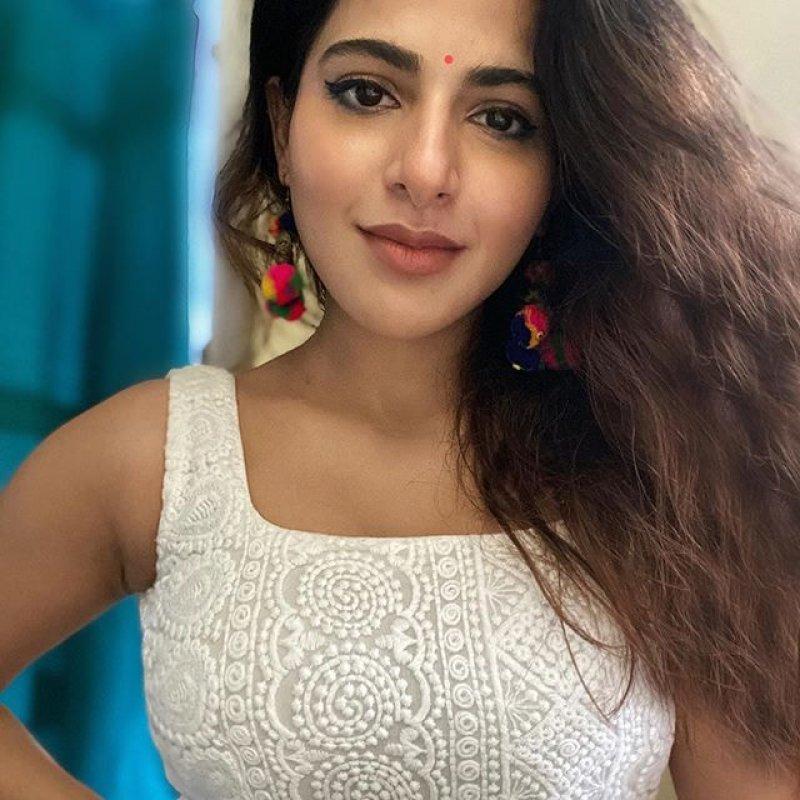 Pic South Actress Iswarya Menon 9987