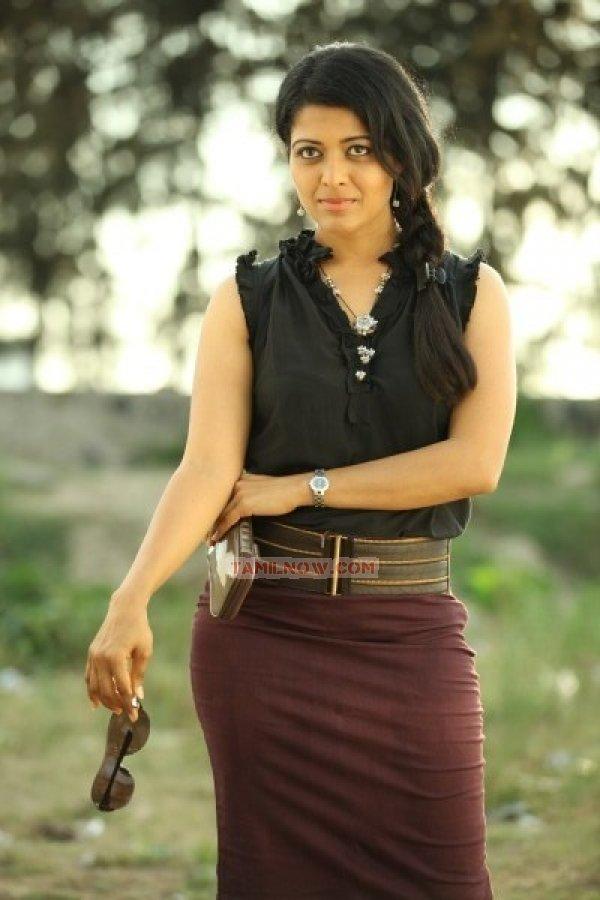 Kavita Srinivas Photos 6301