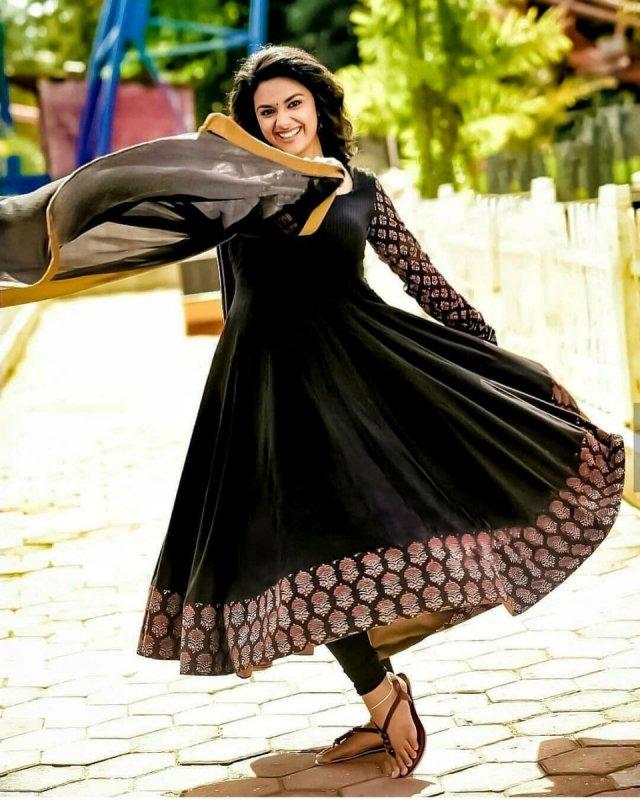 Latest Album Keerthi Suresh Cinema Actress 5800