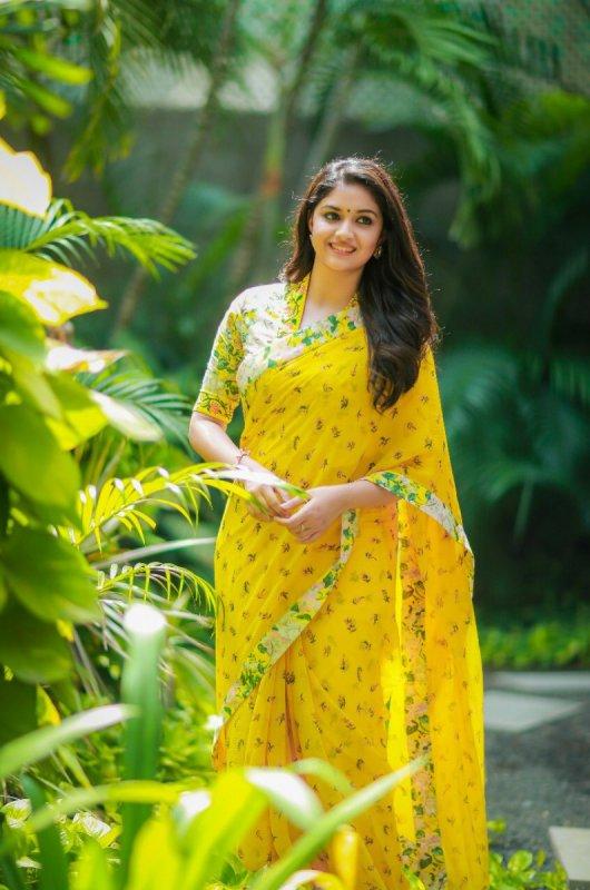 Latest Photos Heroine Keerthi Suresh 8750