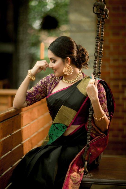 2019 Pictures Tamil Actress Mahima Nambiar 143