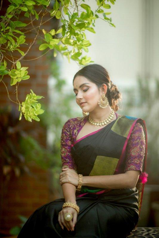 Mahima Nambiar Actress Gallery 9792