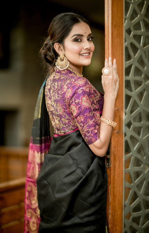 Mahima Nambiar Movie Actress Albums 7944