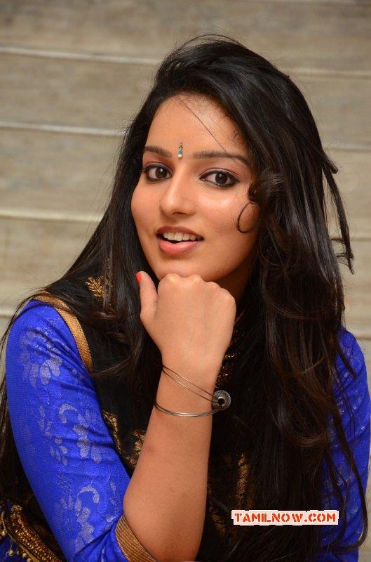 Malavika Menon Tamil Heroine Latest Pic 5625