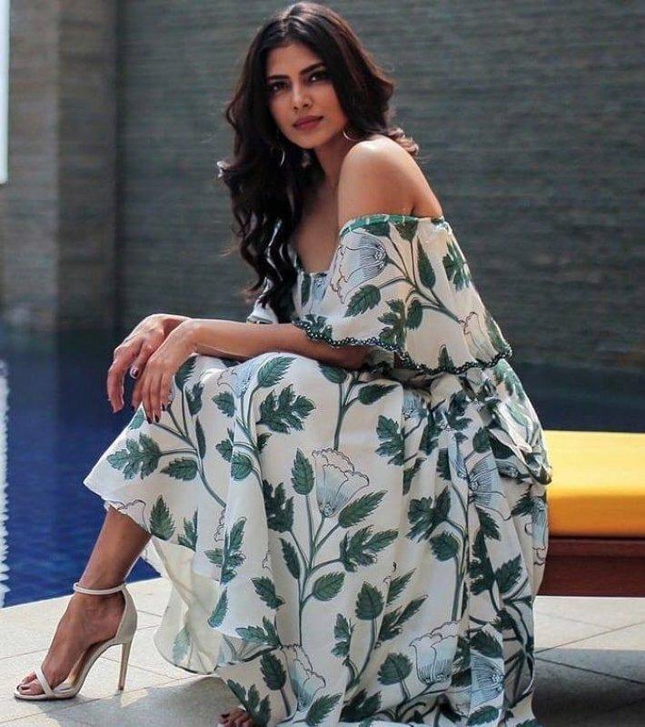 Actress Malavika Mohanan New Pic 9030