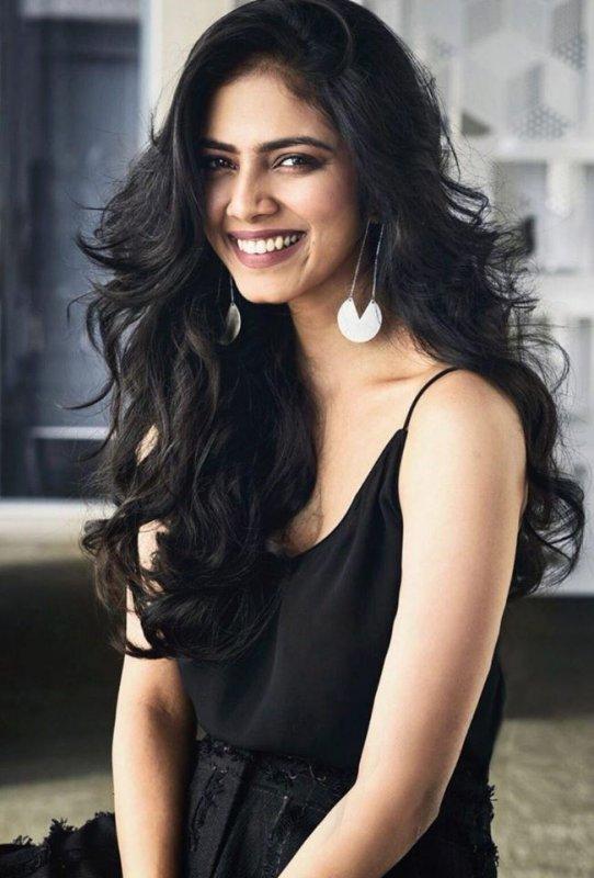 Pic Actress Malavika Mohanan 977