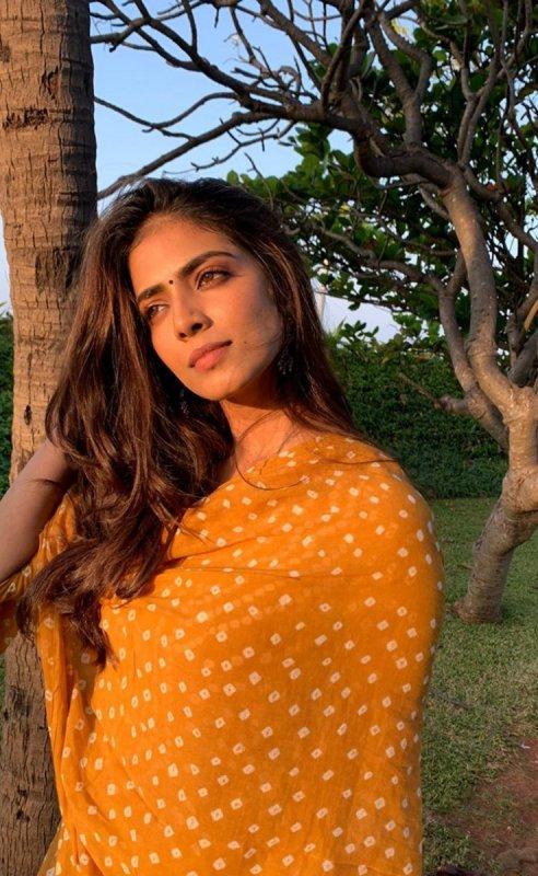 Recent Album Malavika Mohanan Actress 9296