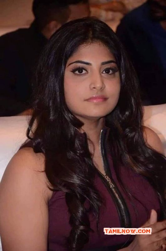 Manjima Mohan Indian Actress Jun 2016 Wallpapers 7929