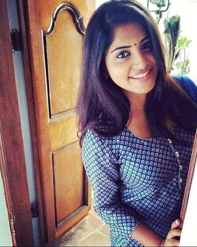 Picture Movie Actress Manjima Mohan 998