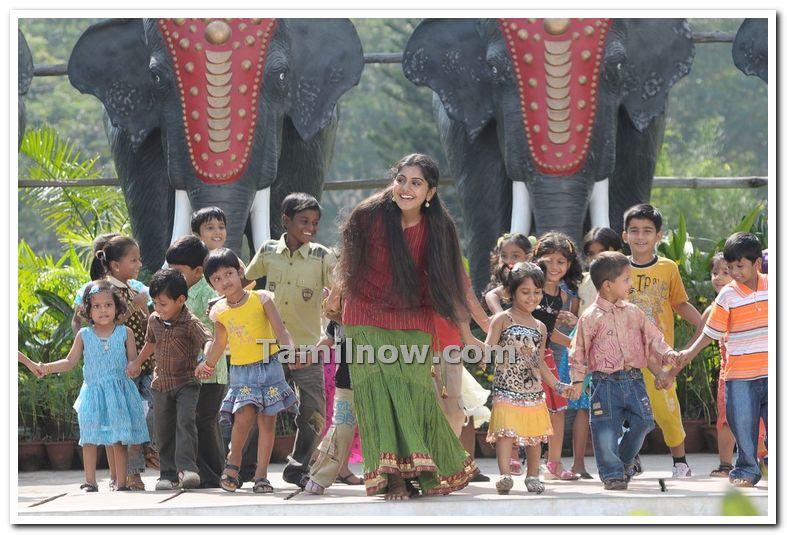 Actress Meera Nandan Photo 5