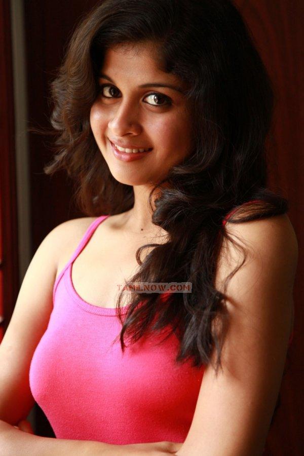 Tamil Actress Mrudhula Basker Photos 7450