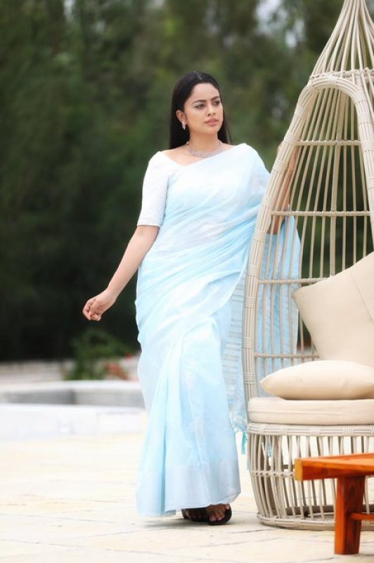 Images Nandita Swetha Movie Actress 7477