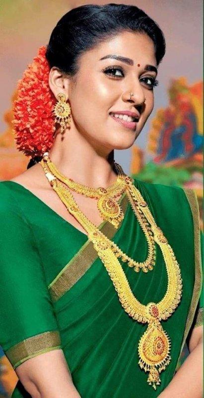Still South Actress Nayanthara 4376