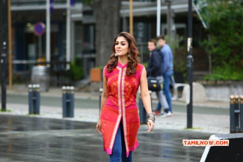 Tamil Heroine Nayanthara New Photo 2822