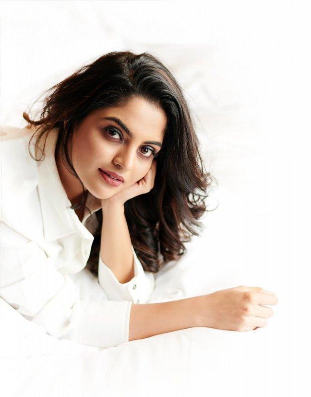 Apr 2020 Wallpaper Nikhila Vimal Movie Actress 9066
