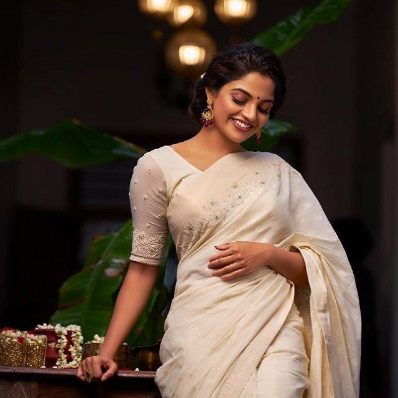 Aug 2020 Photos Actress Nikhila Vimal 9042