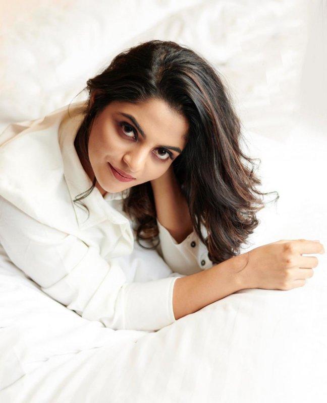 Movie Actress Nikhila Vimal New Album 8916