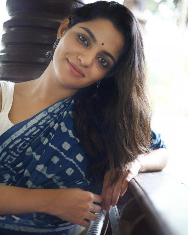 Tamil Heroine Nikhila Vimal Dec 2020 Image 527