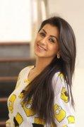 Film Actress Nikki Galrani Still 3949