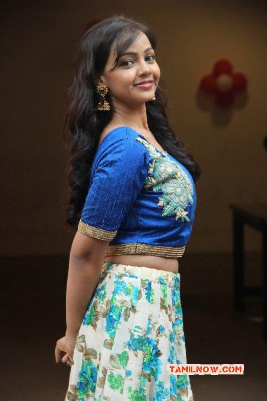 New Photos Nithya Shetty Heroine 9110