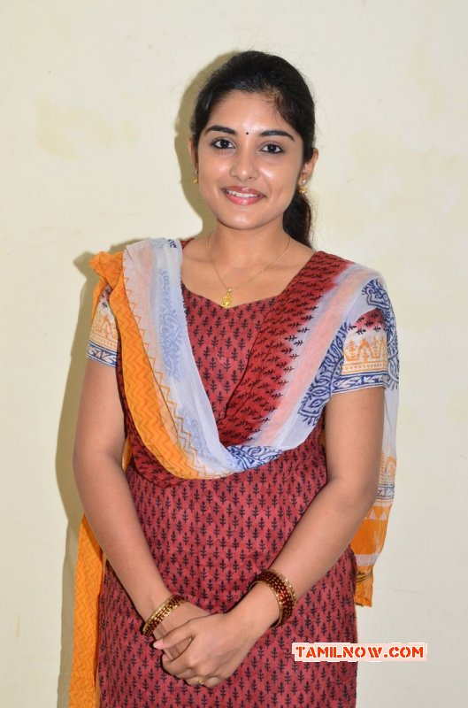 Latest Pictures Niveda Thomas Tamil Actress 9387