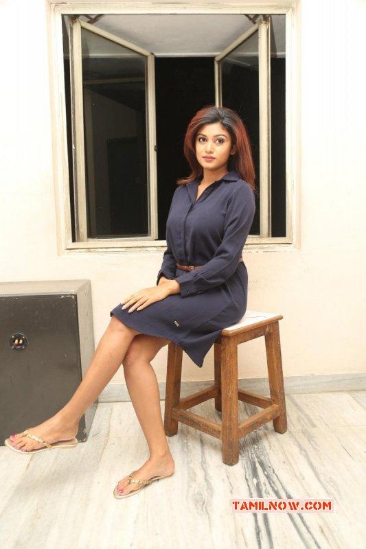 2016 Photos South Actress Oviya 724