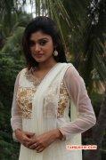 Latest Albums South Actress Oviya 6538