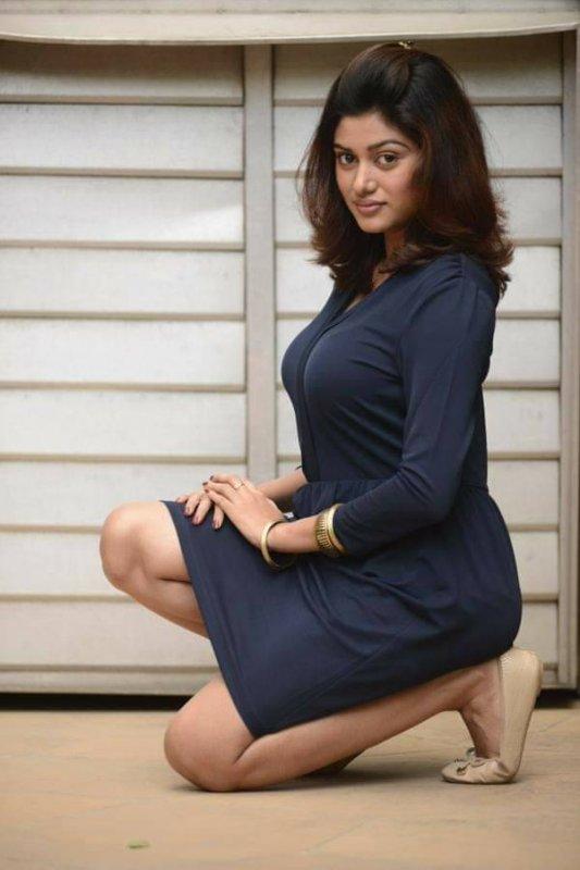 May 2020 Image Movie Actress Oviya 4550