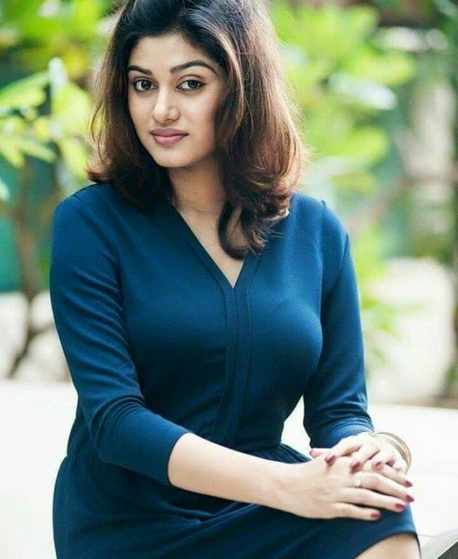 Oviya Movie Actress Latest Images 1739