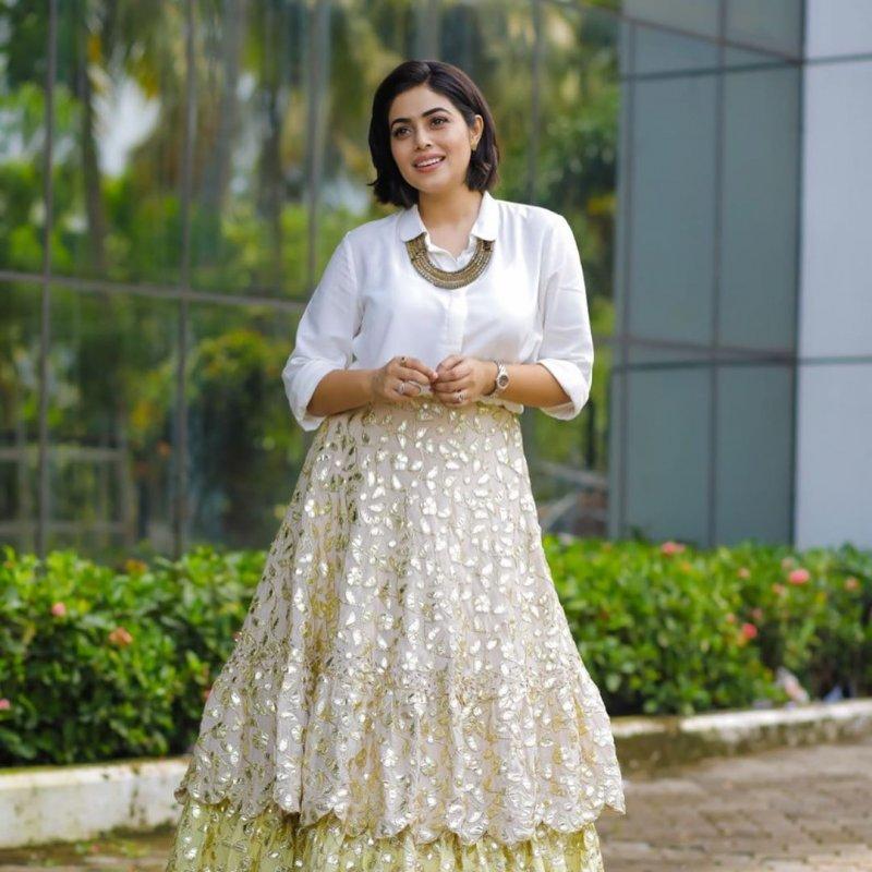 2020 Wallpaper Tamil Movie Actress Poorna 4973
