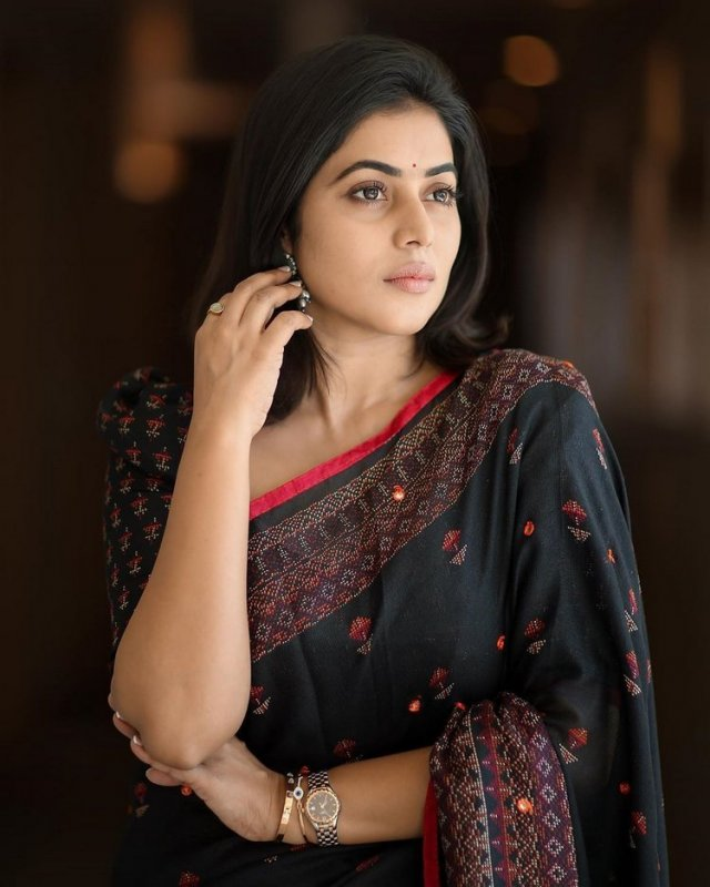 Film Actress Poorna 2020 Pictures 1848