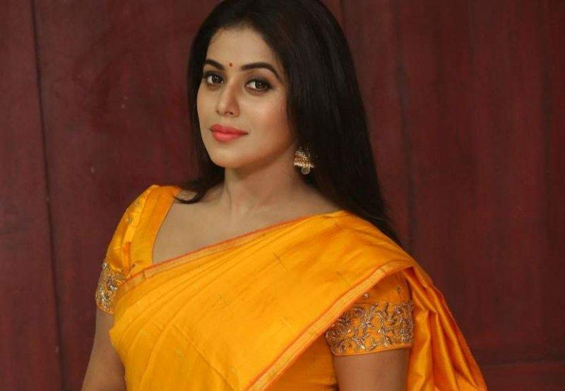Film Actress Poorna Recent Image 6415