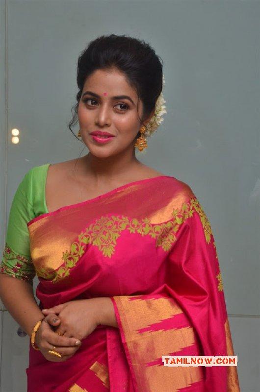 Image Poorna Actress 4698