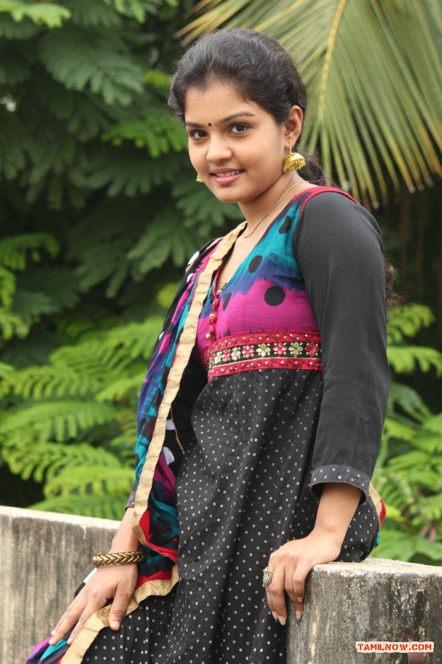 Preethi Stills 7947