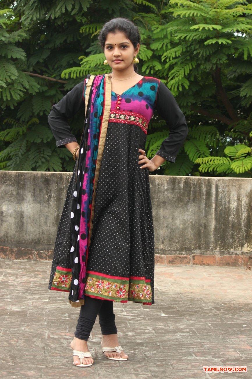 Tamil Actress Preethi 5406