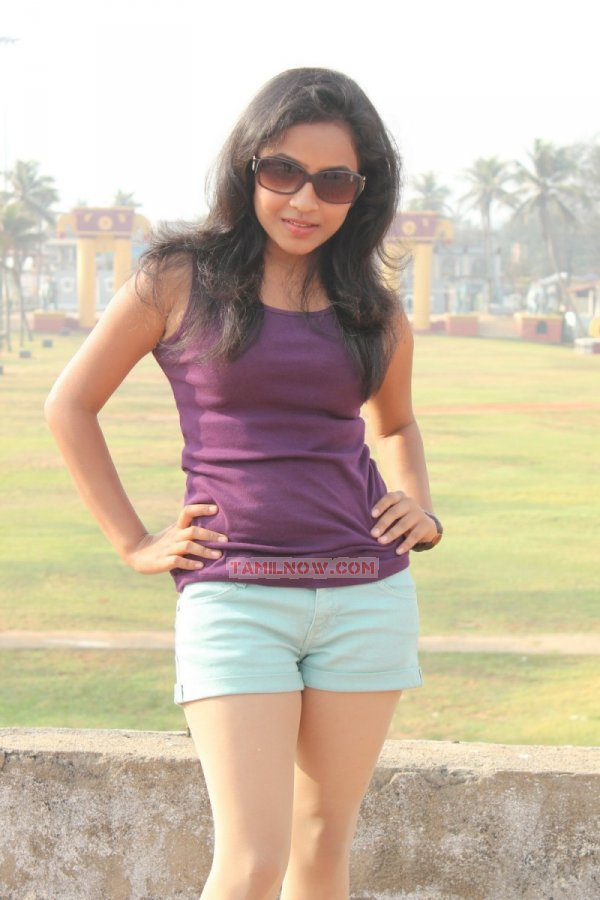 Tamil Actress Prithiksha Mythili 5680