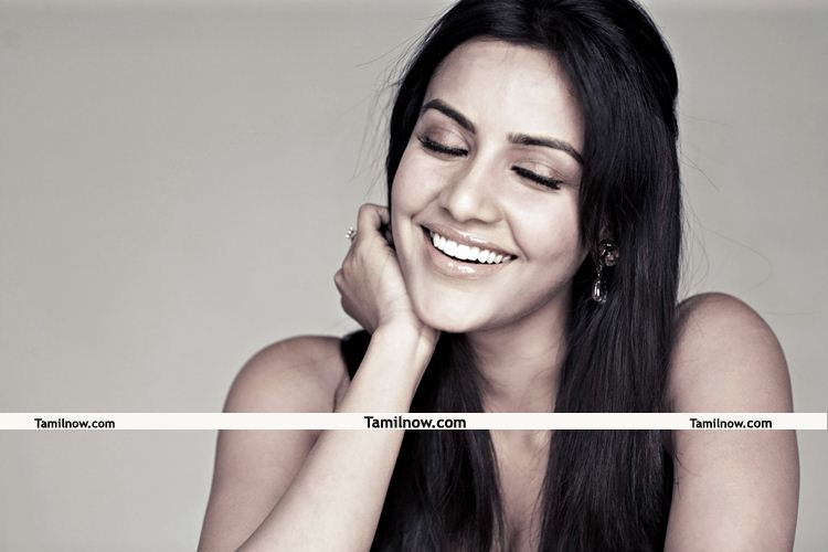 Actress Priya Anand Photos 1