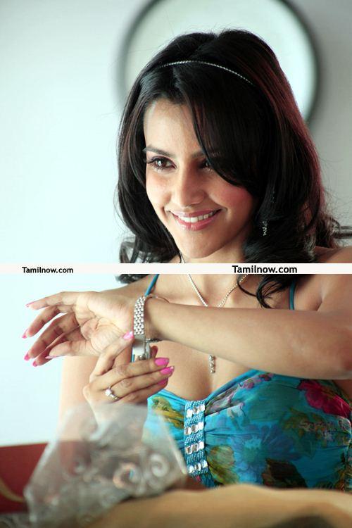 Actress Priya Anand Photos 4