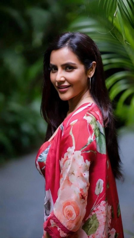 Priya Anand Jul 2020 Pictures 6844
