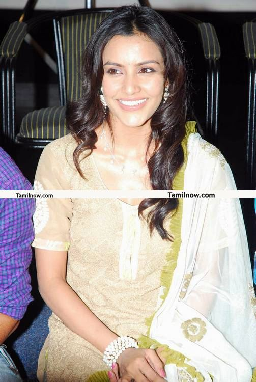 Priya Anand Picture1