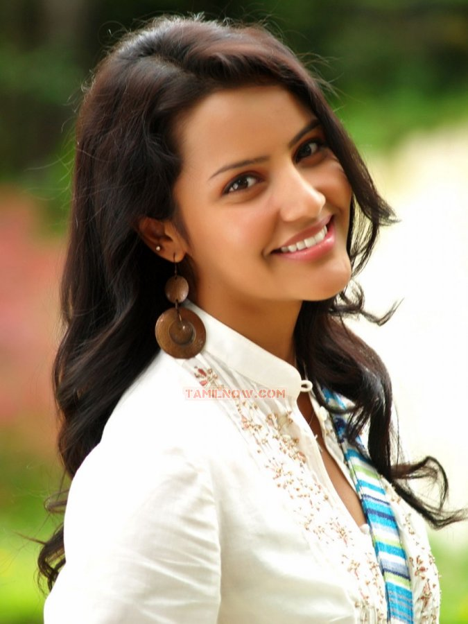 Tamil Actress Priya Anand Photos 6269