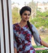 Jun 2017 Pictures Tamil Heroine Priya Bhavani Shankar 6424