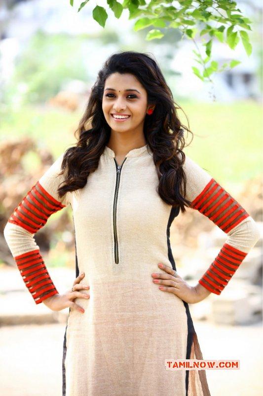 Photos Movie Actress Priya Bhavani Shankar 956