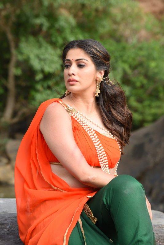 Raai Laxmi South Actress Albums 9004