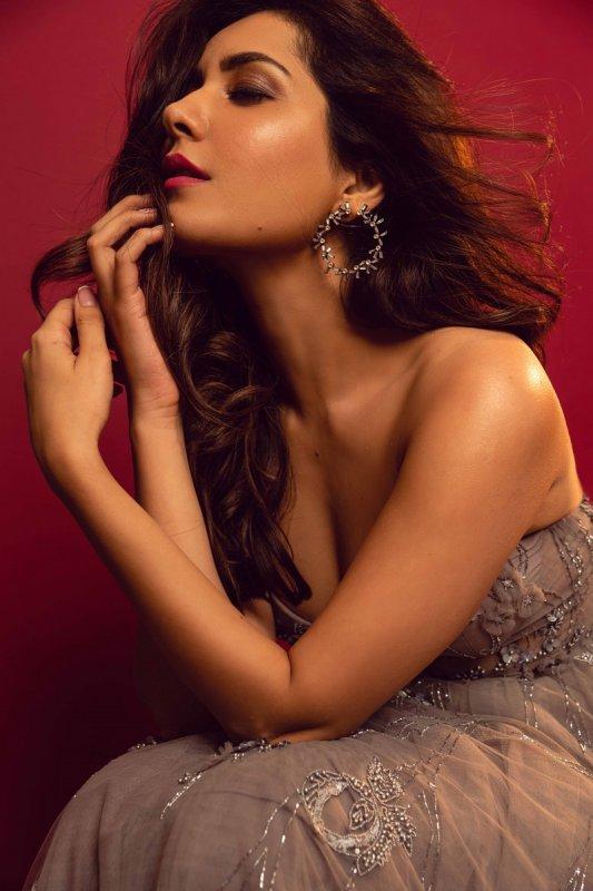 Latest Photos Tamil Actress Raashi Khanna 296
