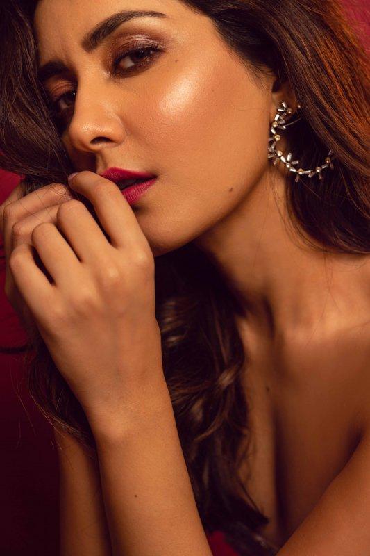 Raashi Khanna Actress Pics 2953
