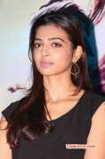 Tamil Actress Radhika Apte New Images 5124