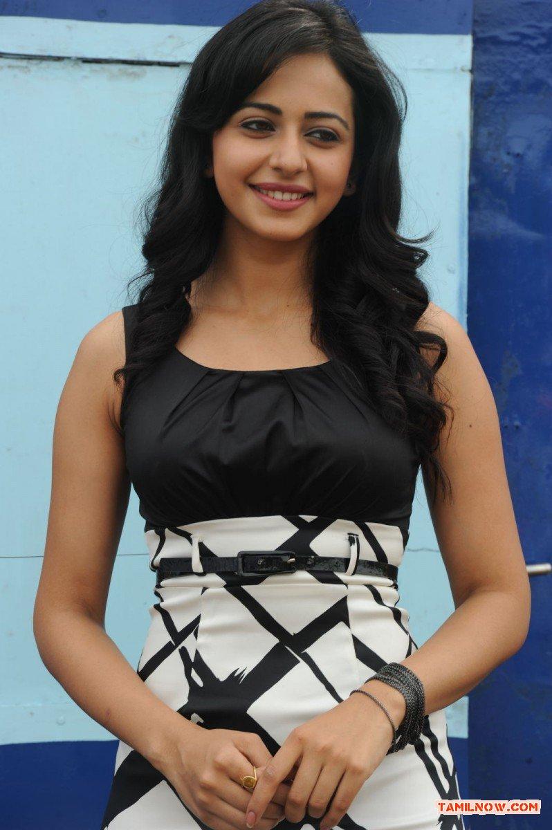 Actress Rakul Preeth Singh Stills 9939